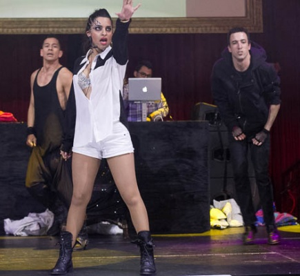 Vinita , LIVE Performances