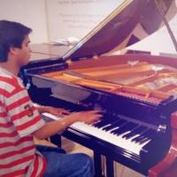 Dil Hai Chhota Sa (Somanshu Agarwal Piano Version) sung by Somanshu Agarwal