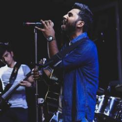 ThodiDerUnplugged sung by Rahul Mehra